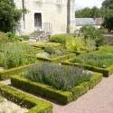 st_andre_medieval_garden1
