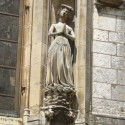 Turn-of-the-15th century female figure on Chartres Cathedral